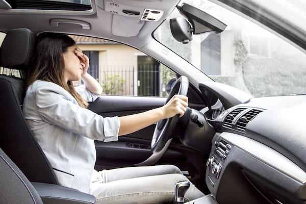 Panikattacken beim Autofahren – Ursachen